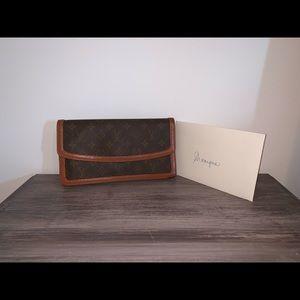 Authentic Louis Vuitton Pochette Dame PM clutch